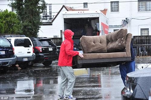 Cần lưu ý gì khi chuyển nhà vào ngày mưa? 1